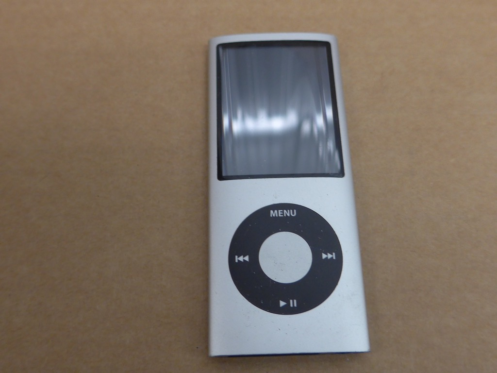 apple ipod nano 4th generation chromatic silver 8 gb ebay. Black Bedroom Furniture Sets. Home Design Ideas