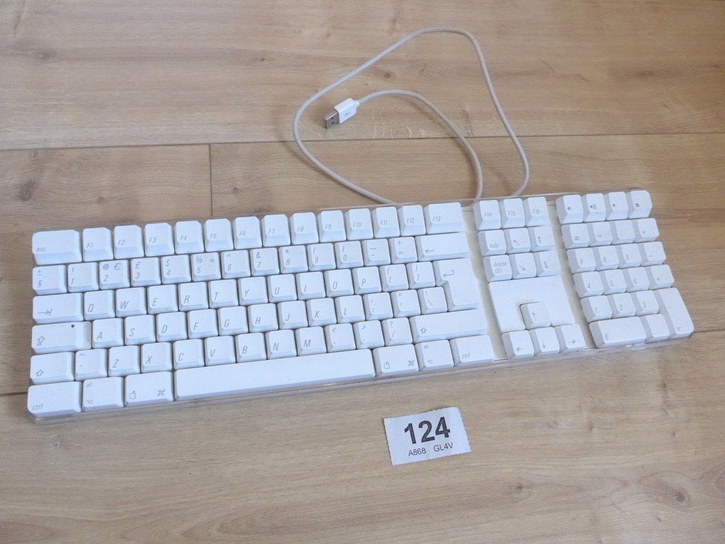 genuine apple a1048 white wired usb keyboard full size high keys ebay. Black Bedroom Furniture Sets. Home Design Ideas