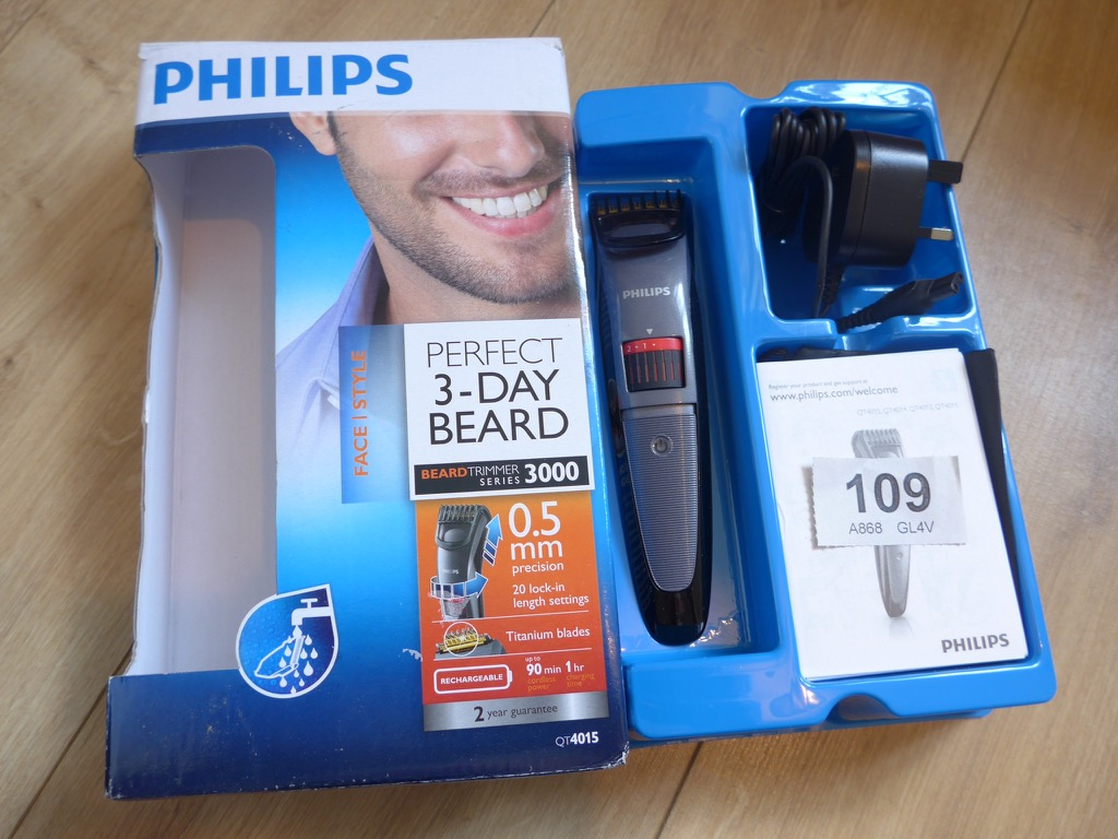 philips beard trimmer qt4015 philips qt4015 23 beard trimmer series 3000 philips qt4015 23. Black Bedroom Furniture Sets. Home Design Ideas