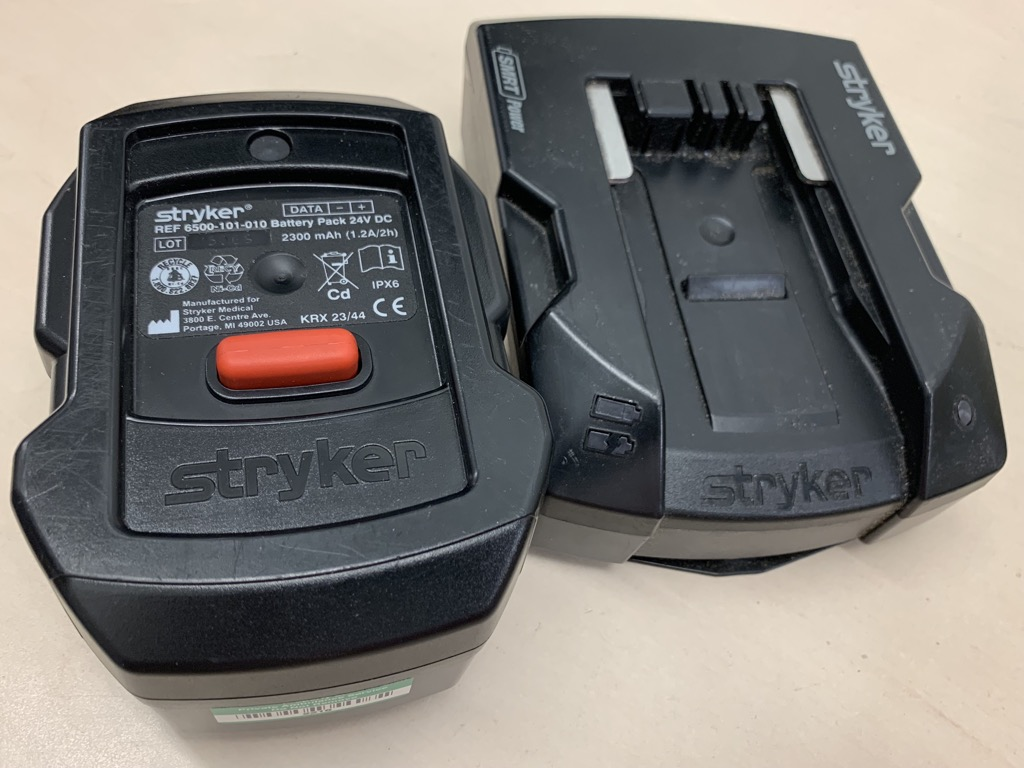 Details about Stryker SMRT Power System Charger Base & Battery 6500-101-010